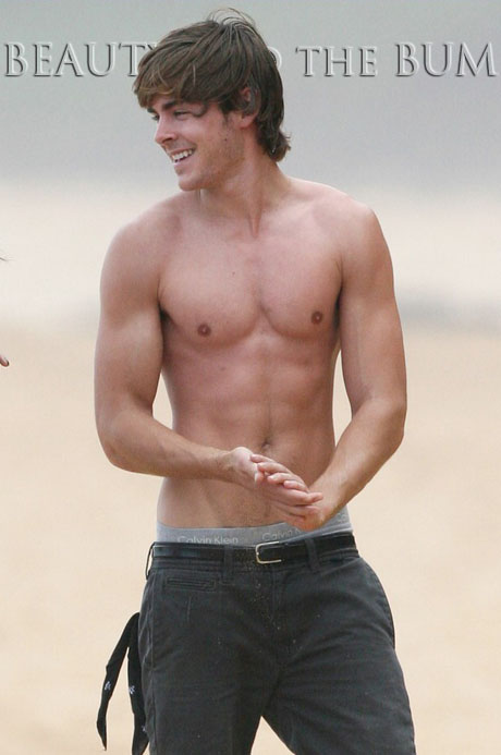 zac efron 2011 body. Zac Efron Shirtless on the