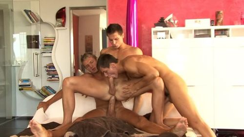 Bel_ami_online-trevor_and_the_twins_5_15475_14