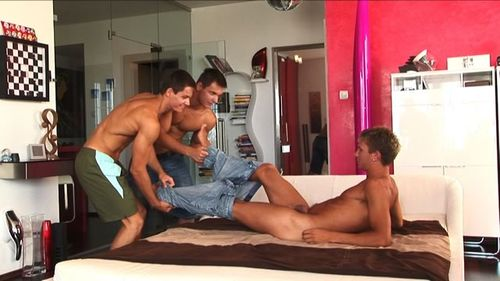 Bel_ami_online-trevor_and_the_twins_5_15475_1